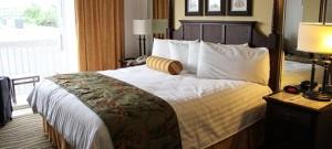 hotelroom-2205447__340